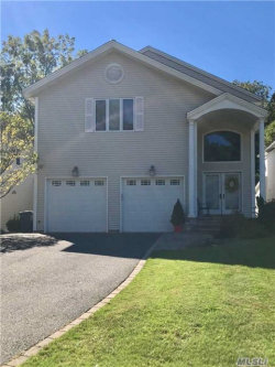 Photo of 11 Oxford Ct, Wheatley Heights, NY 11798 (MLS # 2976035)