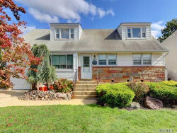 Photo of 473 Oaks Pl, Franklin Square, NY 11010 (MLS # 2977690)