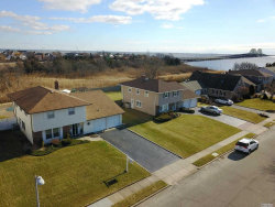 Photo of 107 Anchorage Dr, West Islip, NY 11795 (MLS # 2998604)