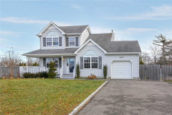 Photo of 3 Paquatuck Ave, East Moriches, NY 11940 (MLS # 2999236)