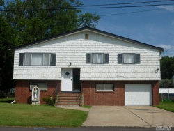 Photo of 14 Plain St, Lindenhurst, NY 11757 (MLS # 3006113)