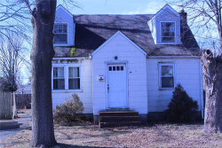 Photo of 138 Osceola Ave, Deer Park, NY 11729 (MLS # 3006368)