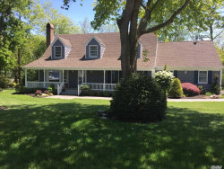 Photo of 3 Bluffview Ct, Miller Place, NY 11764 (MLS # 3009624)