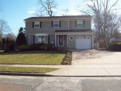 Photo of 8 Sherbrooke Dr, Smithtown, NY 11787 (MLS # 3010765)