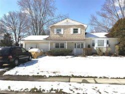 Photo of 12 Cornell Dr, Wheatley Heights, NY 11798 (MLS # 3013032)