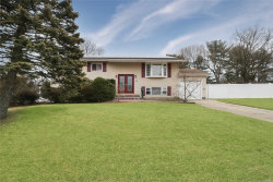 Photo of 15 Homestead Dr, Wheatley Heights, NY 11798 (MLS # 3014240)