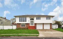Photo of 16 E Hollywood Ave, Lindenhurst, NY 11757 (MLS # 3028748)