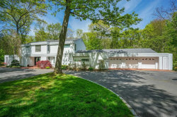Photo of 7 Hearthstone Dr, Dix Hills, NY 11746 (MLS # 3030288)