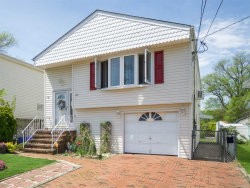 Photo of 106 Venetian Promenade, Lindenhurst, NY 11757 (MLS # 3032383)