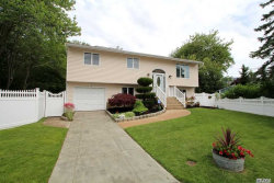 Photo of 37 Beverly St, Islip, NY 11751 (MLS # 3046593)