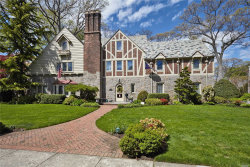 Photo of 61 Andover Rd, Rockville Centre, NY 11570 (MLS # 3049145)