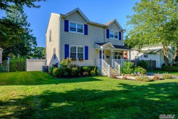 Photo of 9 W Walnut St, Islip, NY 11751 (MLS # 3049286)