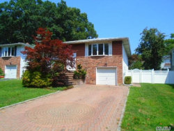 Photo of 135 Truxton Rd, Dix Hills, NY 11746 (MLS # 3055782)