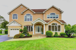 Photo of 819 Tanglewood Rd, West Islip, NY 11795 (MLS # 3066551)