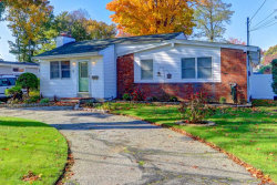 Photo of 6 Gridley St, West Islip, NY 11795 (MLS # 3066658)