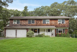Photo of 8 Tobi Ln, Setauket, NY 11733 (MLS # 3066704)