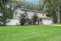 Photo of 6 Gayle Ln, Pt.Jefferson Sta, NY 11776 (MLS # 3067527)