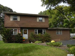 Photo of 8 N Ingelore Ct, Smithtown, NY 11787 (MLS # 3072684)