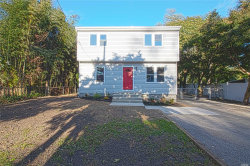 Photo of 19 Sunset Ave, Wheatley Heights, NY 11798 (MLS # 3075405)