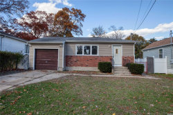 Photo of 434 E John St, Lindenhurst, NY 11757 (MLS # 3080469)