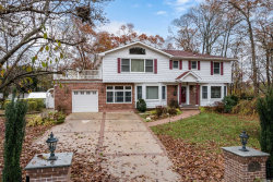 Photo of 15 Albatross Ln, Smithtown, NY 11787 (MLS # 3081187)