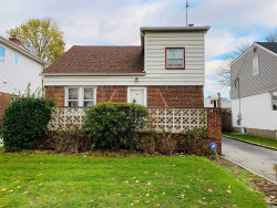 Photo of 14 Lakeville Dr, New Hyde Park, NY 11040 (MLS # 3081873)