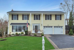 Photo of 22 Knoll Ln, Smithtown, NY 11787 (MLS # 3084999)