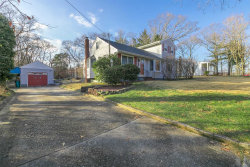 Photo of 64 Plymouth Blvd, Smithtown, NY 11787 (MLS # 3086258)