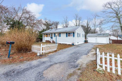 Photo of 123 Lakeview Dr, Mastic Beach, NY 11951 (MLS # 3099993)