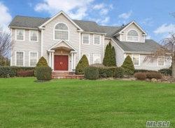 Photo of 15 Arborvitae Ln, Miller Place, NY 11764 (MLS # 3110090)