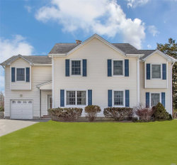 Photo of 2 Beech Ln, Stony Brook, NY 11790 (MLS # 3113664)