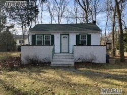 Photo of 12 14th St, Wading River, NY 11792 (MLS # 3114722)