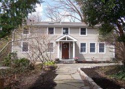Photo of 3 Hillsview Rd, Stony Brook, NY 11790 (MLS # 3117969)