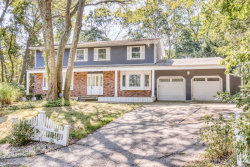 Photo of 8 Poplar Ct, Miller Place, NY 11764 (MLS # 3129766)