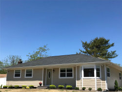 Photo of 3 Newpoint Ln, East Moriches, NY 11940 (MLS # 3130203)
