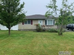 Photo of 14 Rugby Dr, Shirley, NY 11967 (MLS # 3154814)