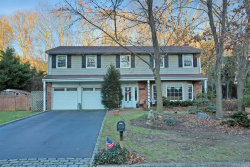 Photo of 50 Sheryl Cres, Smithtown, NY 11787 (MLS # 3179976)