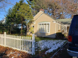 Photo of 411 Emerson Pl, Uniondale, NY 11553 (MLS # 3183717)