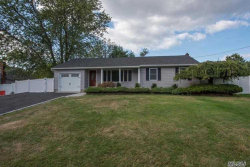 Photo of 7 Harrison Ave, Poquott, NY 11733 (MLS # 3188419)