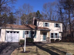 Photo of 3 Clare Ct, Manorville, NY 11949 (MLS # 3189511)