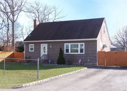 Photo of 12 Happy Acres Dr, Shirley, NY 11967 (MLS # 3190962)