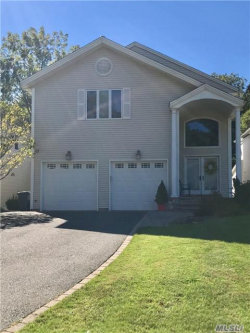 Photo of 11 Oxford Ct, Wheatley Heights, NY 11798 (MLS # 2976978)