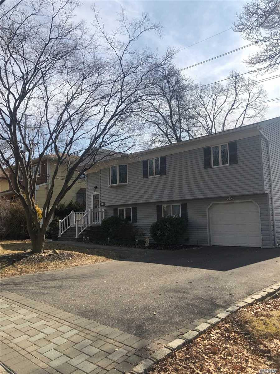 Photo for 216 Fir Grove Rd , Unit Upper, Lake Ronkonkoma, NY 11779 (MLS # 3109469)