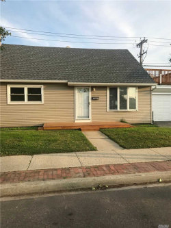 Photo of 818 E Chester St, Long Beach, NY 11561 (MLS # 3130126)