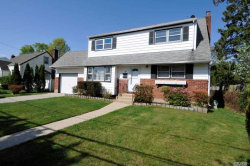 Photo of 30 Iroquois Pl, Farmingdale, NY 11735 (MLS # 3028573)