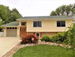 Photo of 4 Forestway Court, BUFFALO GROVE, IL 60089 (MLS # 09695250)