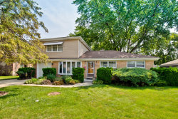 Photo of 717 N Pine Street, MOUNT PROSPECT, IL 60056 (MLS # 09715015)