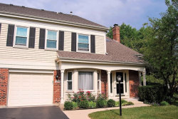 Photo of 2011 N Charter Point Drive, ARLINGTON HEIGHTS, IL 60004 (MLS # 09718841)