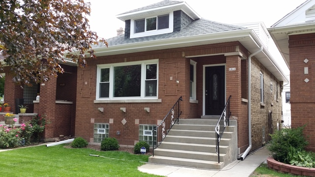 Photo for 5311 W Melrose Street, CHICAGO, IL 60641 (MLS # 09721405)