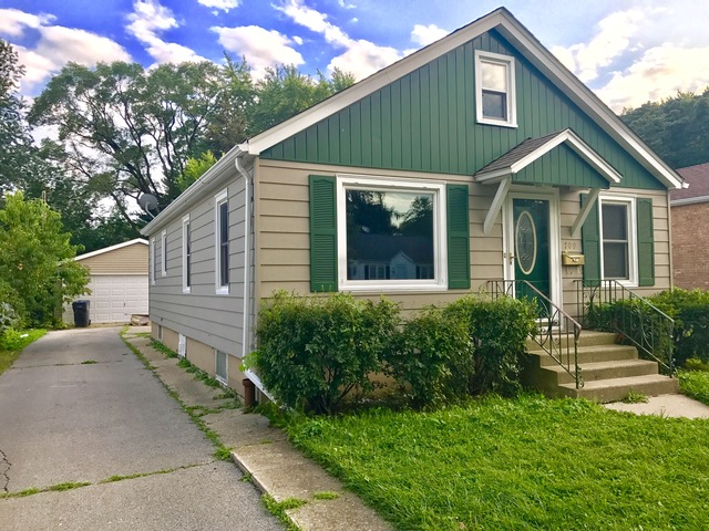 Photo for 709 W Atlantic Avenue, WAUKEGAN, IL 60085 (MLS # 09723931)